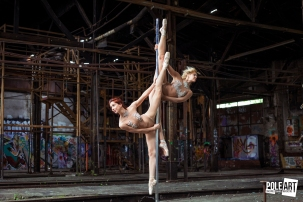 Pole Art Magazine Double Splits