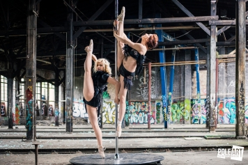 Pole Art Magazine Double Vertikal Split