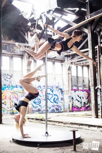 Pole Art Magazine Handstand and Beauty