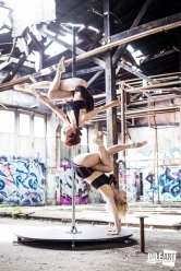 Pole Art Magazine Handstand flexi