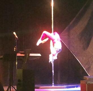 Tango on Pole